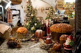 Новий рік в Італії: Новорічний стіл, подарунки та розваги.