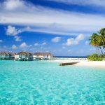 Пляжний відпочинок на морі в березні